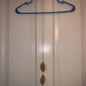 Gold leaf necklace NWOT